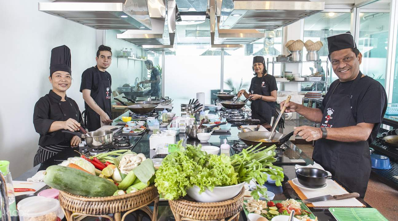 class cooking Thai food one month